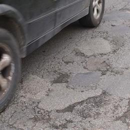 Slalom di buche sulla Soncinese - Video Dopo le piogge la provinciale a rischio