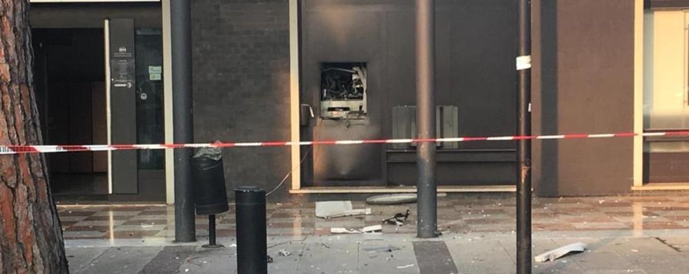 Banda del botto a Dalmine Esplode bancomat in pieno centro