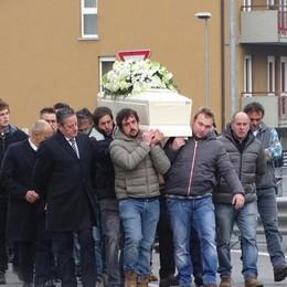 L'ultimo saluto a Dario Capitanio «Gran lavoratore, tutti gli volevano bene»