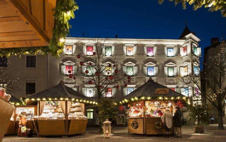 Alto Adige, torna l'incanto dei mercatini natalizi