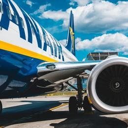 Ritardo di 5 ore sul volo Bergamo-Bari Ryanair dovrà risarcire 9 passeggeri
