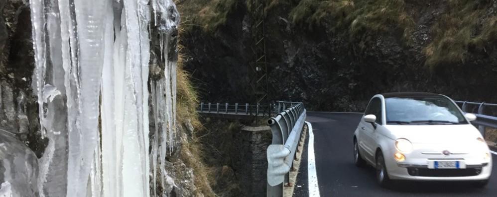 Gelo  in Val Taleggio, arriva la neve Scatta l'allerta della Protezione civile