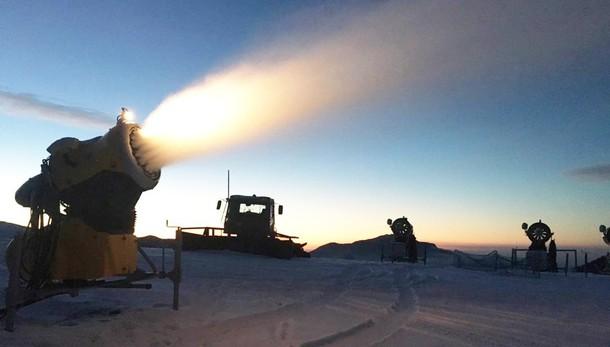 In attesa della neve (quella vera) Da oggi si scia anche al Pora e a Carona
