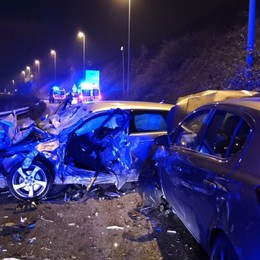 Schianto tra due auto sull'Asse Otto feriti a Bonate Sopra, lunghe code