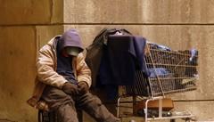 Aiuto ai poveri? Economia forte