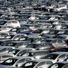 Cambia l'ecotassa: colpiti i Suv  La classifica delle auto nei Comuni orobici