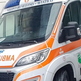 Perde l'equilibrio e cade dal balcone Muore 69enne a Caprino Bergamasco
