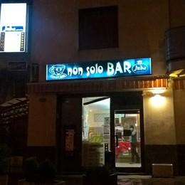 Alzano, assalto all'alba in un bar Ragazza in «ostaggio», via 14mila euro