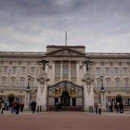Vuoi lavorare a Buckingham Palace? La Regina cerca personale