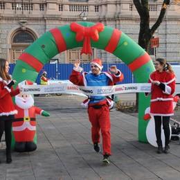 L'Eco café festeggia il Natale Sul Sentierone la Babbo Running