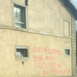 Scritte ingiuriose contro i lavori alla Fara «Gesto vile, e una spesa per i cittadini»