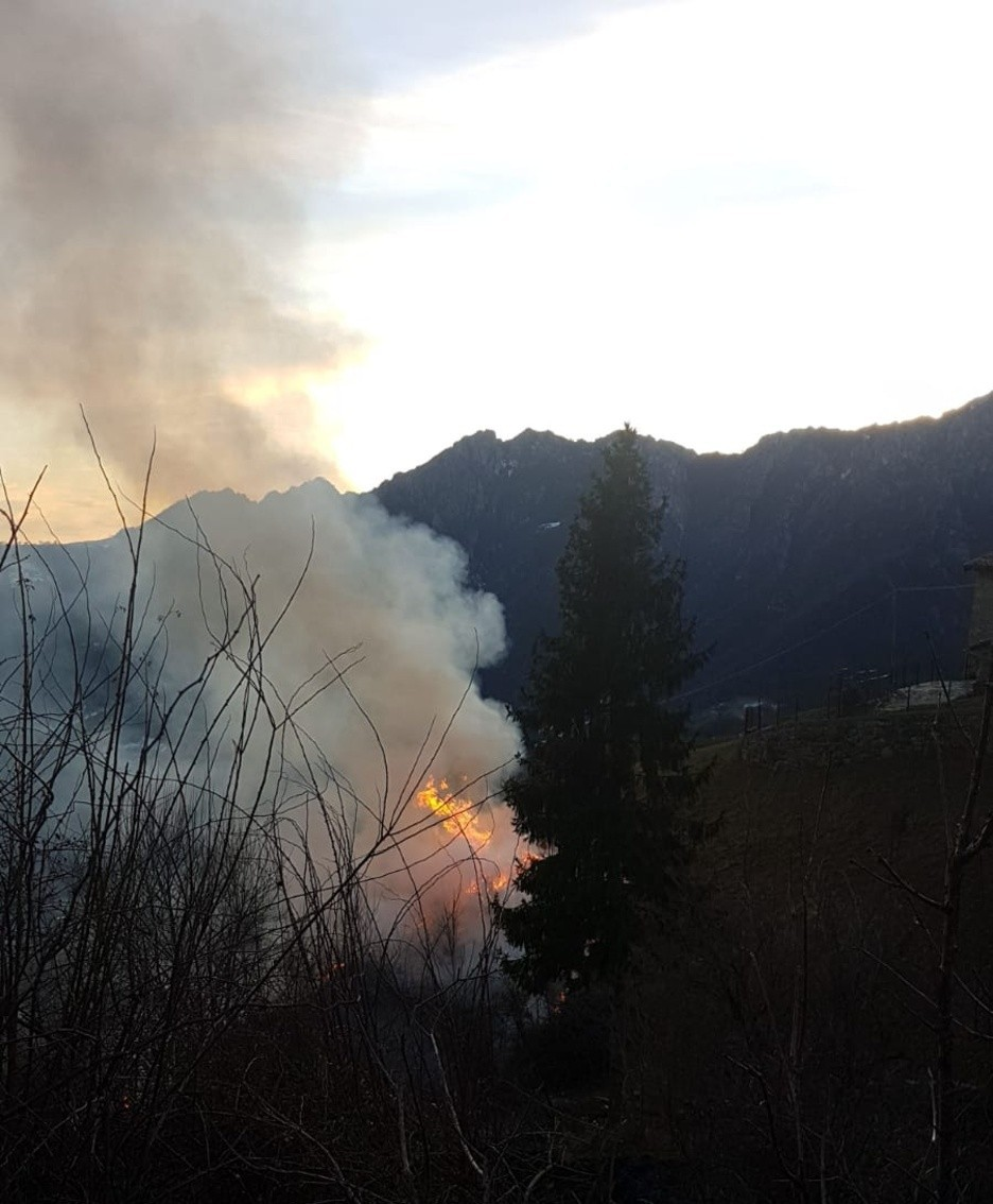incendio al monte Grem