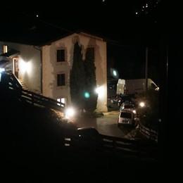 Assalto armato in villa, paura ad Abbazia  In 4  con la pistola, via  oltre 100mila euro