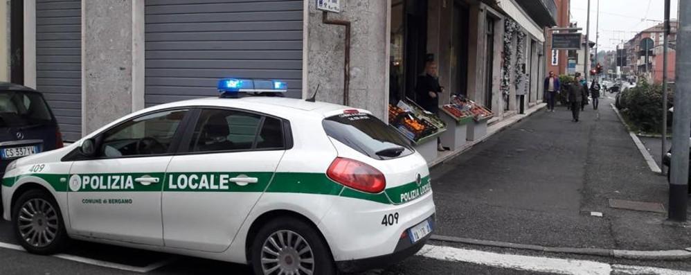 È morta la donna colpita da una portiera La 64enne ha donato gli organi