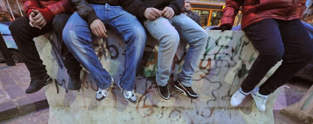 Rapinato alla fermata dell'autobus Nuovo caso di bullismo a Treviglio