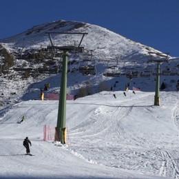 Elisoccorso a Foppolo per un infortunio Molti sciatori per l'inizio della stagione