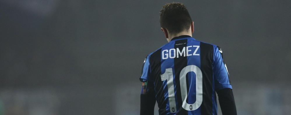 La Juve passa, Higuain affonda l'Atalanta Buffon para un rigore a Gomez