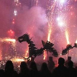 Las Fallas Festival infiamma Valencia