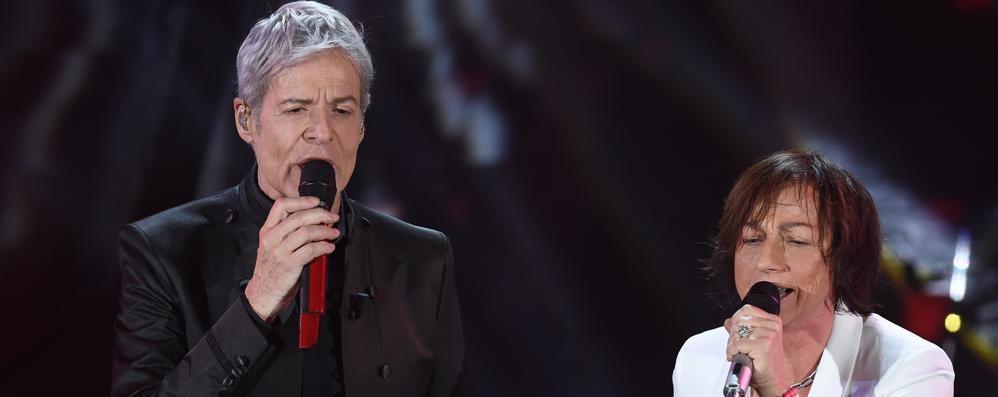 Sanremo, Baglioni duetta con la Nannini Giovani , vince «Ultimo». La quarta serata