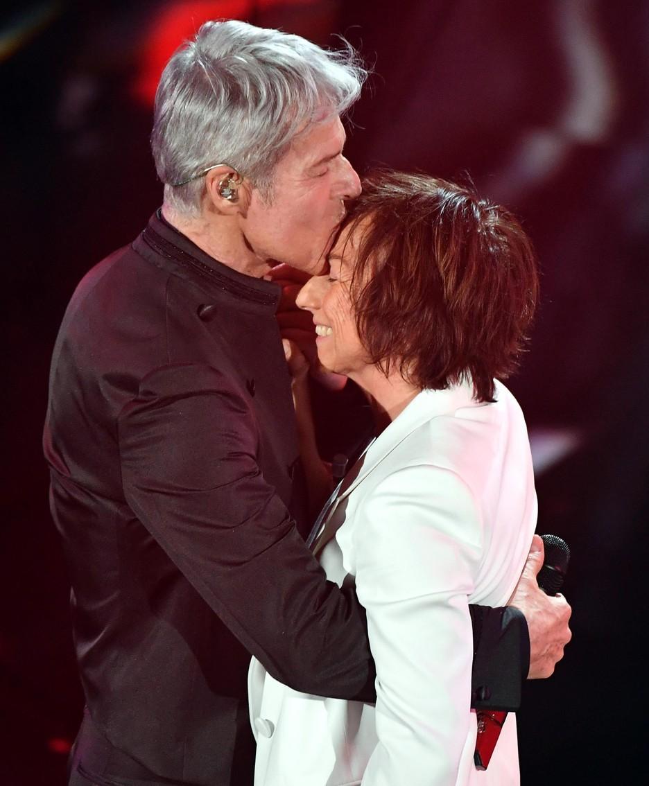 Italian singer and Sanremo Festival artistic director Claudio Baglioni (L) and Italian singer Gianna Nannini p