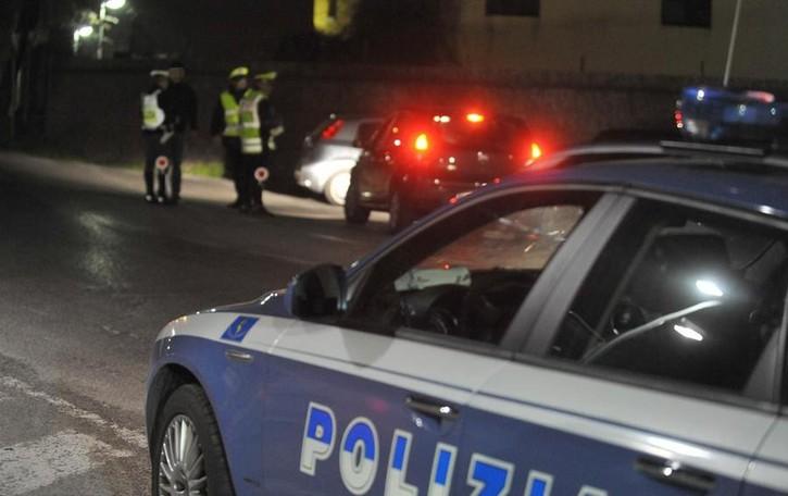 29enne non si ferma all'alt della polizia Gli agenti lo vanno a cercare a casa