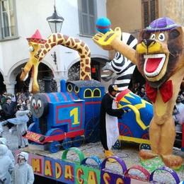 Carnevale di Clusone - Foto Vince il carro di Madagascar