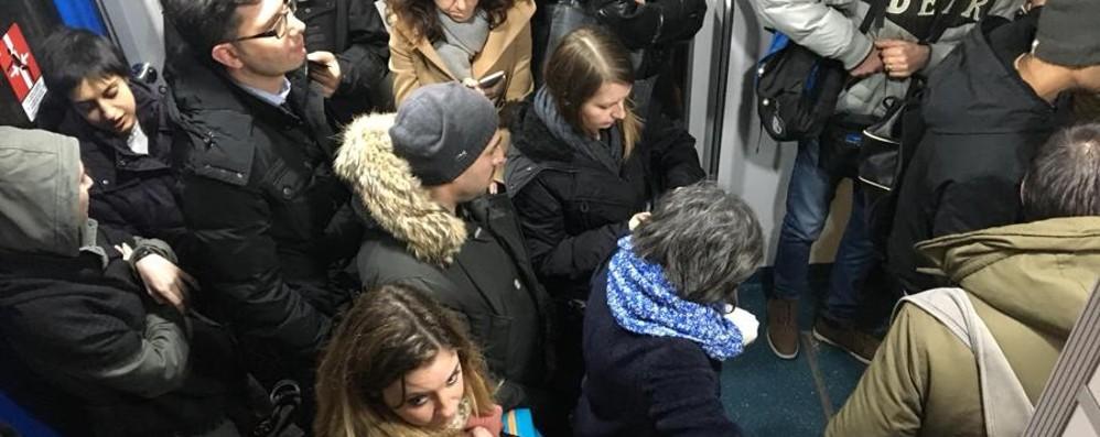 Pioltello, ripartita la circolazione Serata di ritardi per i pendolari