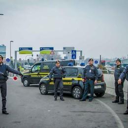 Taxi abusivi a Orio, giro di vite Maxi operazione delle Fiamme Gialle