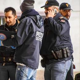La segnalazione della polizia francese: «Il clochard era ricercato per omicidio»