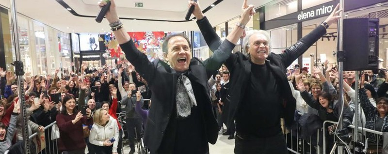Folla a Oriocenter per Facchinetti e Fogli C'è anche Antonio Percassi - Video