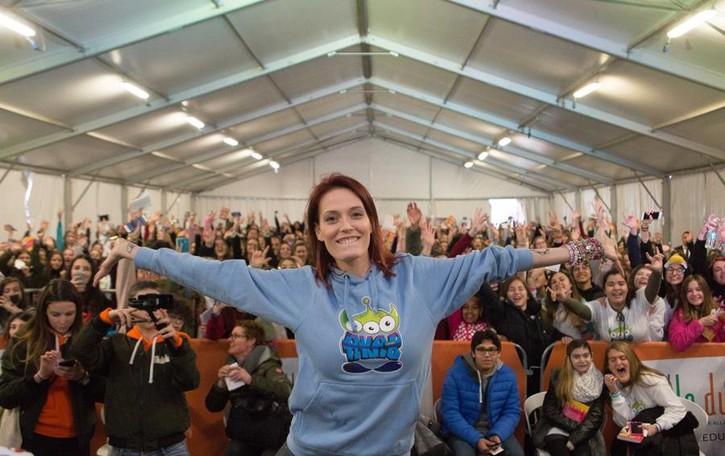 Con LaSabri pienone a Le Due Torri Folla di ragazze a Stezzano - Video