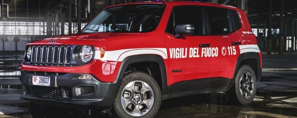 Flotta di 100 Jeep Renegade Rosse per i Vigili del fuoco