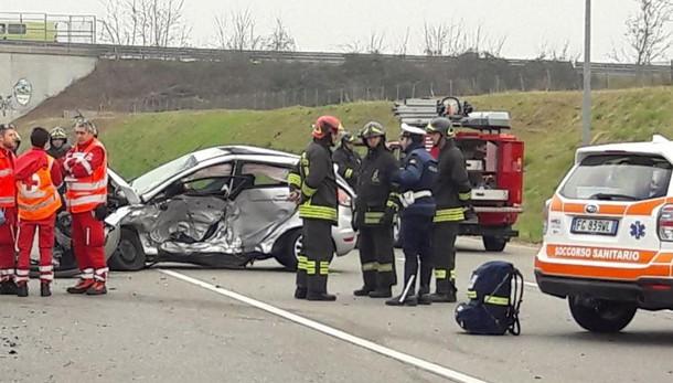Schianto tra due auto a Brusaporto Muore un 56enne sulla provinciale