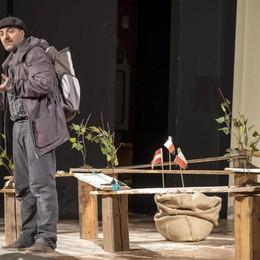 Dal Piemonte alla Polonia a piedi Auschwitz, uno spettacolo per «Tierra»