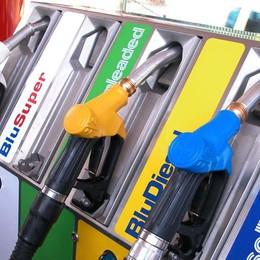 Carburanti, i rincari mettono il turbo 70 euro in più all'anno per benzina e diesel
