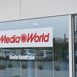 Mediaworld, i dipendenti preoccupati «Non tutti possono spostarsi da Curno»