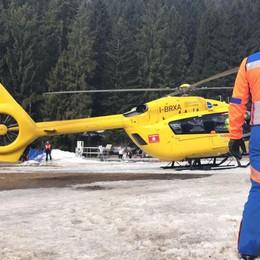 Si infortuna sulla cima del monte Timogno Elicottero, poi a piedi: 5 ore di soccorsi