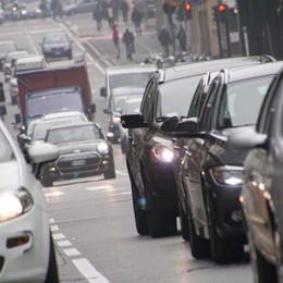 Smog in calo, ma ancora  divieti Da venerdì revocati per diesel Euro 3 e 4