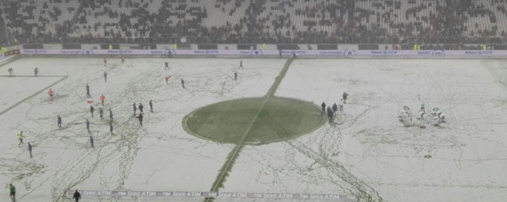 Nevica a Torino, campo impraticabile  Non si gioca Juventus-Atalanta