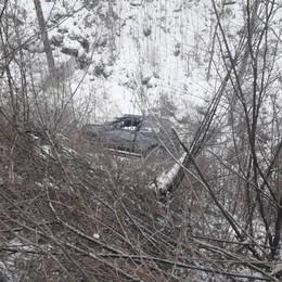 Serina, con la jeep nella scarpata Volo di 15 metri, salvi nonno e nipote