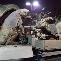Invasione di dinosauri in città - le foto Bergamo nella preistoria con il «Caffi»