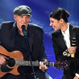 Sanremo, la sorpresa è Virginia Raffaele  James Taylor illumina insieme a Giorgia