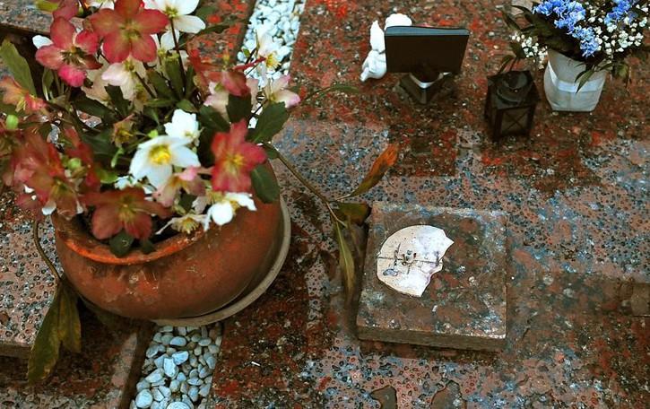 Sgominata la «banda dei cimiteri» Quattro denunciati per 25 raid