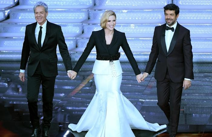 finest selection 9dd7f 82829 Sanremo, il look retrò di Michelle Abiti «di famiglia ...