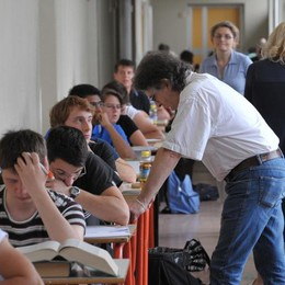 Scuola, firmato il nuovo contratto L'aumento medio è di 85 euro