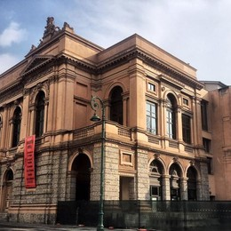 Teatro Donizetti, iniziano i lavori Ecco le transenne in centro