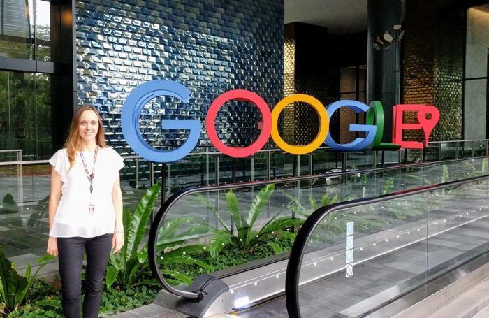 Vola a Singapore per lavorare nel colosso digitale «Google