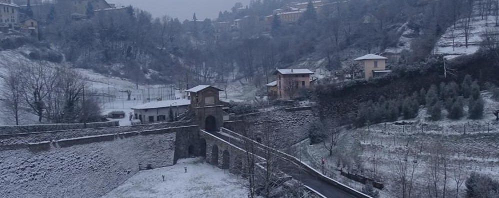 Bergamo si è svegliata così Le foto di una città imbiancata