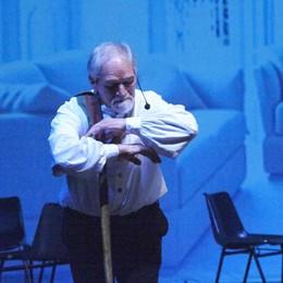Giulio, sul palco il tremore non fa vibrare  la malattia ma le corde dell'anima