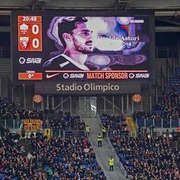 Negli stadi silenzio e «Le rondini» di Dalla Astori, il grazie commosso della Fiorentina